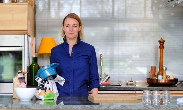 Alexandra Palla in ihrer privaten Küche in Währing, in der auch Blog und Kochbuch entstanden sind.