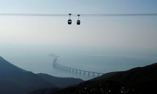 China - Größte Meeresbrücke der Welt eröffnet