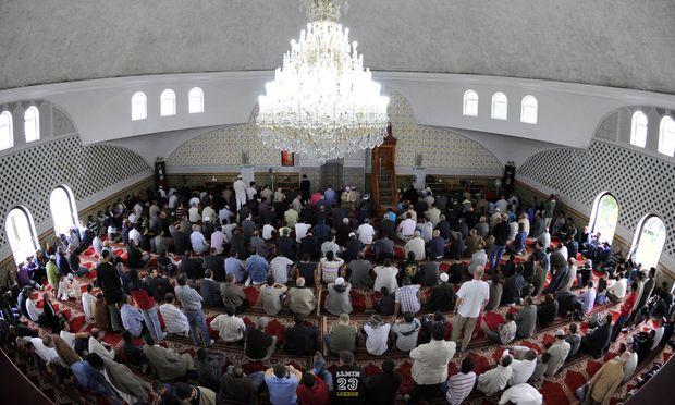 THEMENBILD: MOSCHEE IN WIEN-FLORIDSDORF / MUSLIME