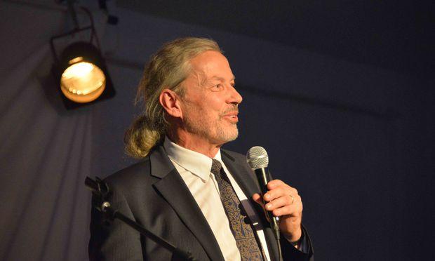 Flair Geschäftsführer Otto Kauf begrüßte seine Gäste ganz herzlich und betonte in seiner kurzen Ansprache die Bedeutung von Emotionen, nicht nur im Leben, sondern auch beim Wohnen.