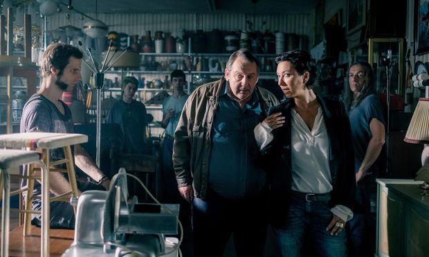 """Angelika Schnell (Ursula Strauss) und Harald Franitschek (Wolf Bachofner) ermitteln wieder gemeinsam in der neuen """"Schnell ermittelt""""-Staffel."""
