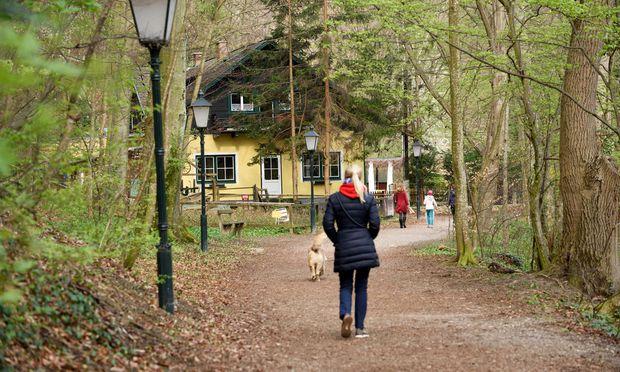 Spazieren im Helenental: Entlang der Schwechat und ohne große Anstrengung. Das Waldgasthaus (Bild) hat seit 2017 allerdings  geschlossen.