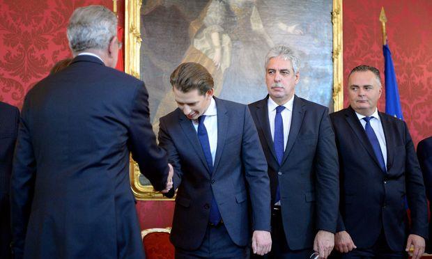 Am Freitag dürfte Sebastian Kurz den Regierungsauftrag von Bundespräsident Alexander Van der Bellen bekommen.