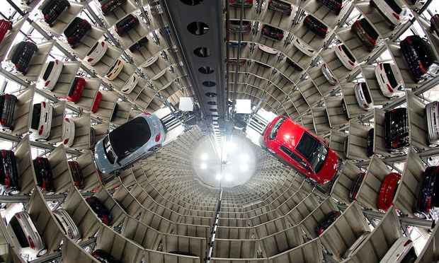 Die EU-Kommission will High-Tech Systeme in Autos einbauen.