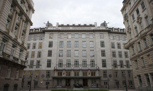 Größter Börsengang in Wien: Bawag startet mit Glöckchen und Abschlag