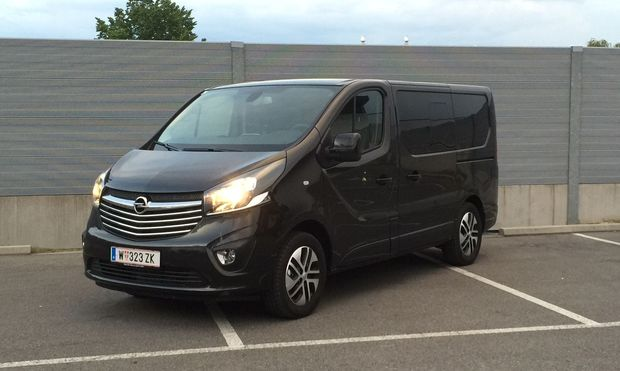 So lässt es sich in einem Nutzfahrzeug wirklich fürstlich reisen: Opel Vivaro Tourer.