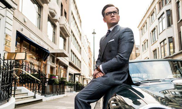 """Ein Maßanzug macht noch keinen Bond: Taron Egerton als """"New Labour""""-Variante eines Superhelden."""