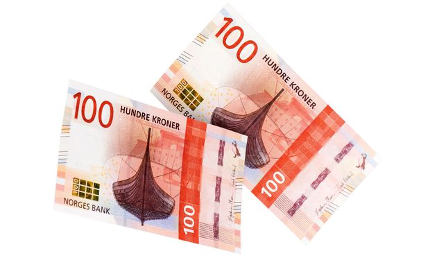 Bargeld soll in Norwegen als Zahlungsmittel weiterexistieren, auch wenn fast alle mit Karte bezahlen. Die neuen 100- und 200-Kronen-Scheine wurden neu designt.  / Bild: Bank