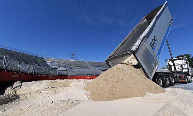 Der Sand für die Beachvolleyball-WM ist da. / Bild: (c) APA (Roland Schlager)