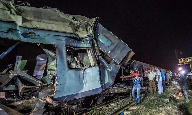 EGYPT-ACCIDENT-TRAIN