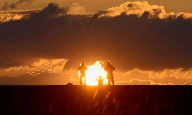 Sonnenstrahlen kurbeln die Vitamin-D-Produktion in der Haut an.