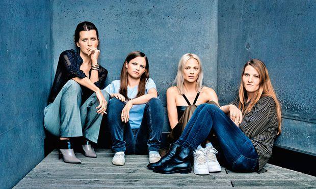 Team. Hegemann und ihre Hauptdarstellerinnen beim Film: Arly Jover, Jasna Fritzi Bauer, Mavie Hörbiger (v. l.).