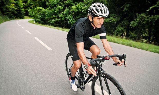 Alain Prost will heuer bei den Weltmeisterschaften für Radamateure starten.