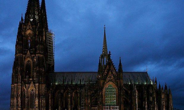 Der Kölner Dom soll keine Kulisse für die Pegida-Demonstration am 5. Jänner sein, sagt Dompropst Norbert Feldhoff.
