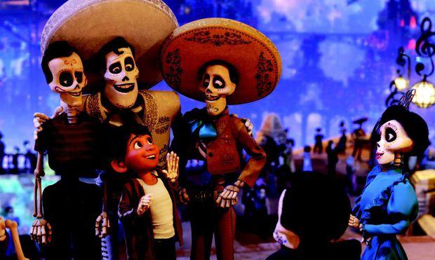 Der D´ıa de los Muertos ist eine faszinierende Fusion der aztekischen mit der christlichen Kultur. Schade, dass Disney nichts an Authentizität liegt.