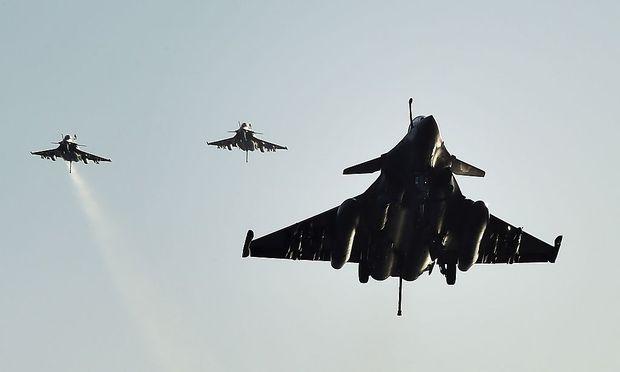 Französische Rafales schossen Gaddafis Konvoi nahe Sirte zusammen