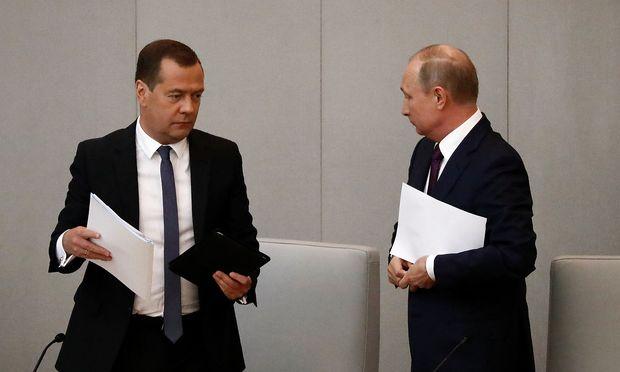 Putin tritt vierte Amtszeit an und behält Medwedew als Premier