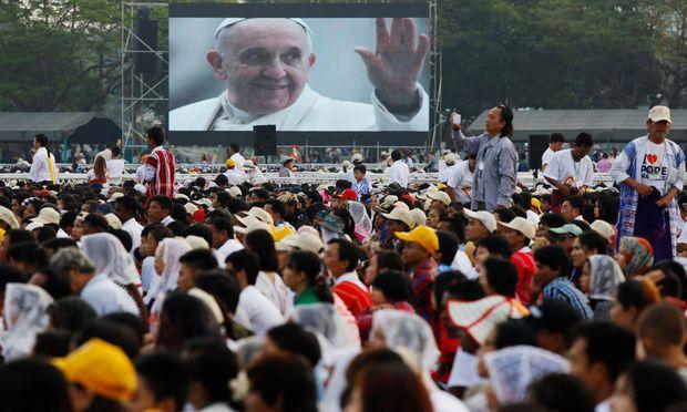 Der Papst in Rangun.