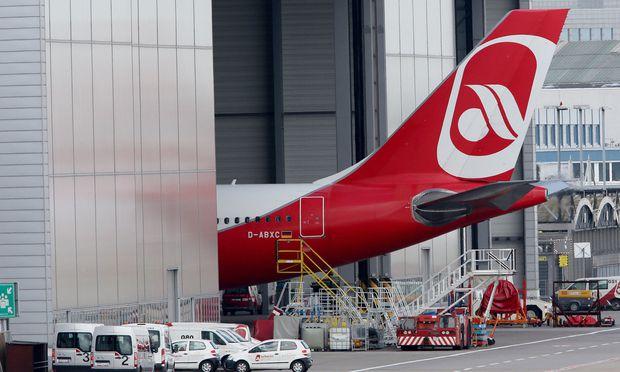 Nicht nur die Flugzeuge der Air Berlin blieben am Dienstag am Boden – 9000 Passagiere ebenso.  [ APA ]
