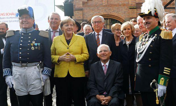 Geburtstagsparade für Schäuble in badischer Heimat mit Merkel und Juncker. / Bild: (c) REUTERS