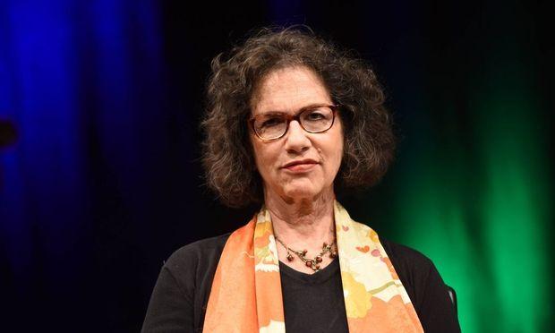 Die Philosophin und Autorin Susan Neiman liest am 27 05 2015 in Koeln der 3 phil COLOGNE das intern