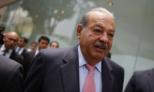 Mexican billionaire Slim arrives to the opening of the Inbursa Aquarium in Mexico City