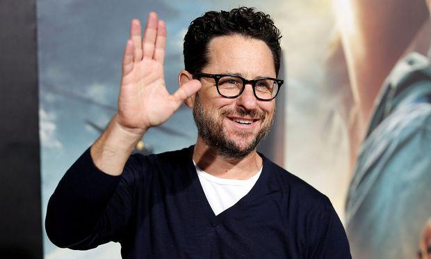 "Regisseur J.J. Abrams sagt ""Hi"" zum nächsten Star Wars-Projekt."