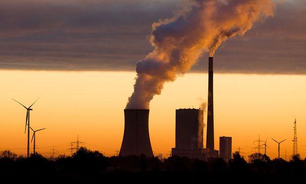 Energieerzeugung aus Kohle und Wind