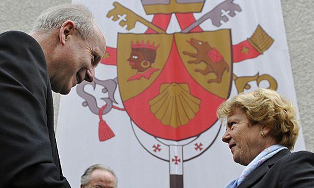 Kardinal Christoph Schönborn und Waltraud Klasnic