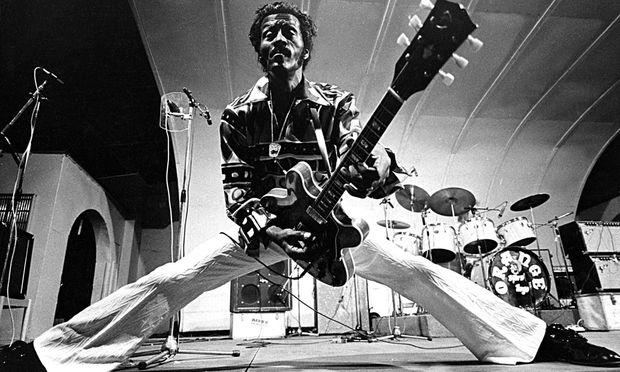 Chuck Berry kurz vor seinem 60. Geburtstag.
