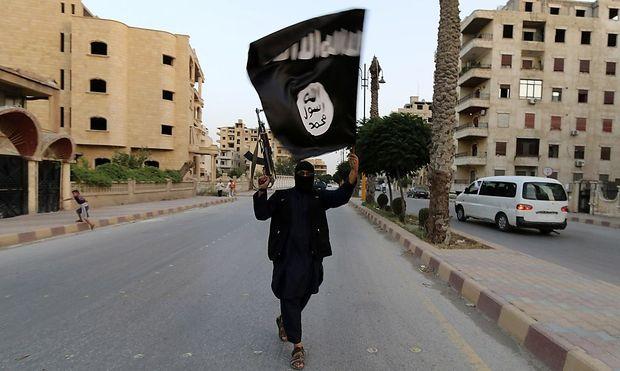 IS-Mitglied in Raqqa / Bild: REUTERS