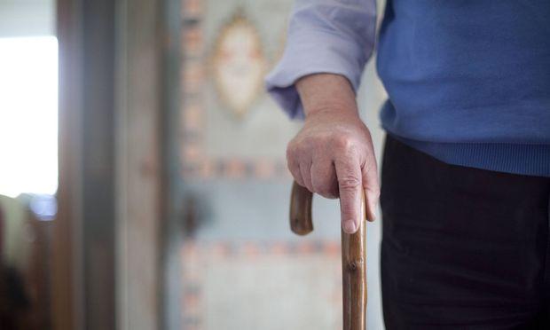 Vor den Wahlen will man ältere Wähler nicht verschrecken.