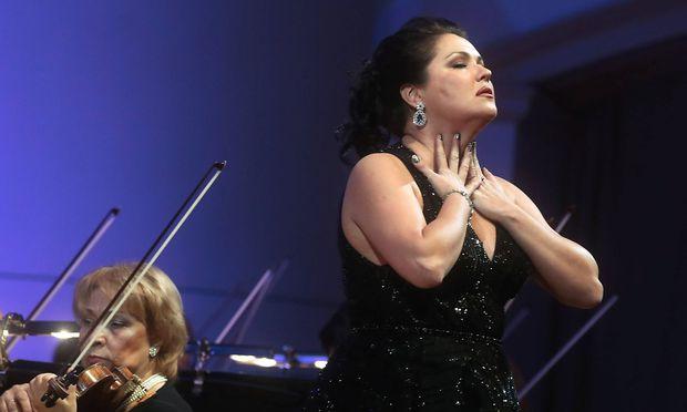"""""""Anna Netrebko hat den Begriff des Opernstars neu definiert"""", schreiben die Wiener Philharmoniker auf ihrer Homepage."""