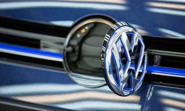 VW will den Wandel zum E-Autobauer möglichst schnell vorantreiben / Bild: (c) Bloomberg