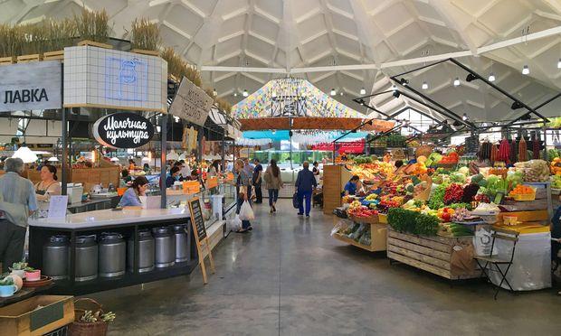 Luftig. Im Danilovsky-Markt ist Milch genauso Thema wie Gemüse.