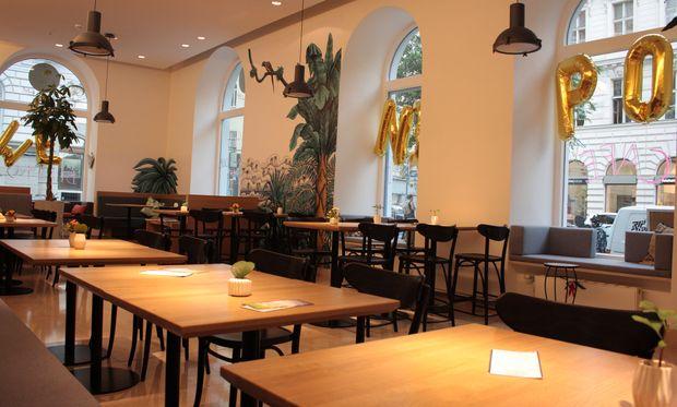 Das Café Midi am Hohen Markt.