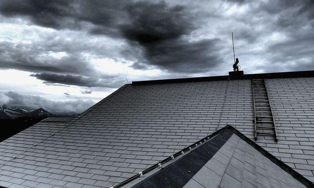 Form, Farbe und Material von Dachziegeln tragen wesentlich zum Charakter eines Hauses bei.