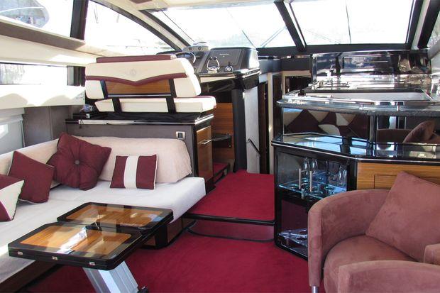 Yachten innenausstattung  Ausverkauf: Hypo verscherbelt Yachten und Luxuskarossen ...