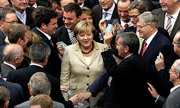 Deutscher Bundestag segnet EuroRettungsschirm