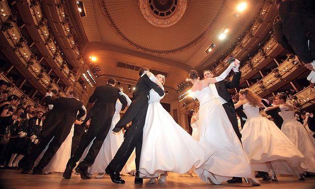 Wer einen Tanzkurs besuchen möchte, sollte vorher Preise vergleichen
