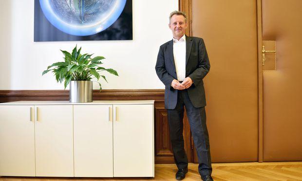 Landtagspräsident Ernst Woller soll im Auftrag von Bürgermeister Ludwig das Weltkulturerbe für Wien retten.