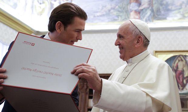 """200 Jahre """"Stille Nacht, heilige Nacht"""". Kanzler Kurz lud den Papst aus diesem Anlass nach Salzburg ein."""
