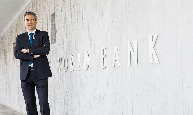Finanzminister Loeger bei Weltbankfruehjahrstagung