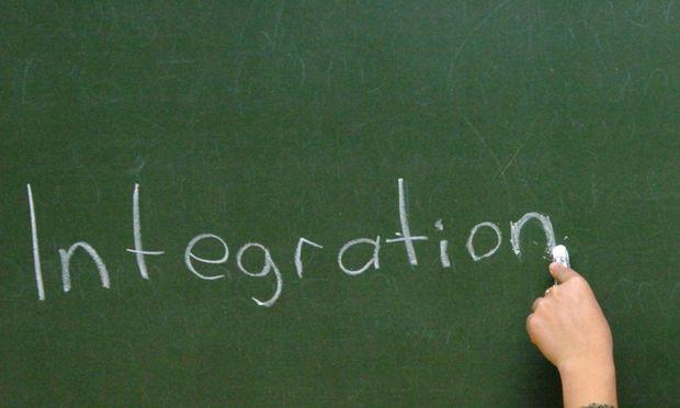 Das geplante Integrationsgesetz sieht einen Rechtsanspruch auf Deutschkurse vor, Flüchtlinge verpflichten sich aber auch zur Teilnahme an den Kursen.