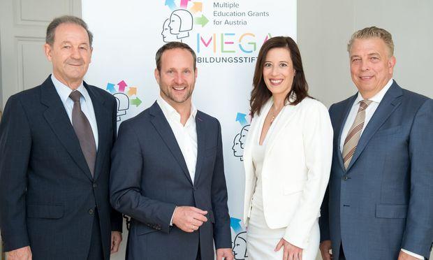 Norbert Zimmermann, Matthias Strolz, Mariella Schurz und Peter Edelmann:  langfristig wirksame Bildungsprojekte unterstützen