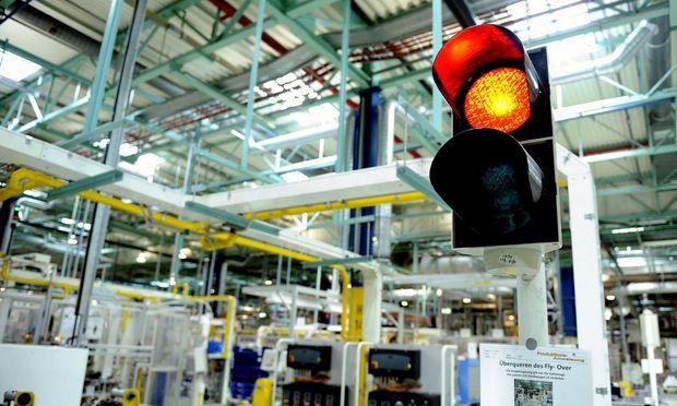Ifo-Geschäftsklima sinkt erneut - Indikator überarbeitet