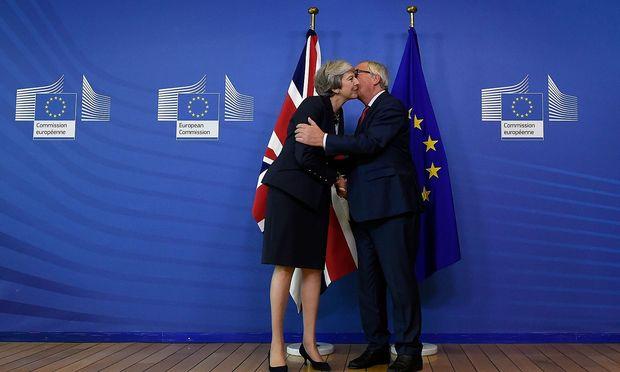 EU-Kommissionspräsident Jean-Claude Juncker und die britische Premierministerin Theresa May.