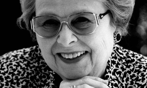 Lillian Fayer