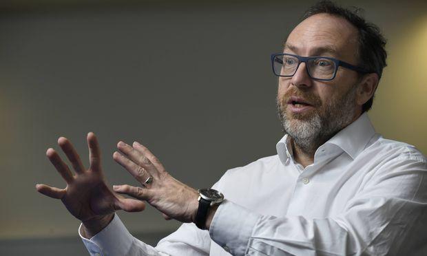 """Wikipedia-Gründer Jimmy Wales: """"Ich glaube, wir befinden uns heute in einer Welt, in der die Menschen sich darum sorgen, dass wir qualitativ hochwertige und faktenbasierte Informationen bekommen"""""""