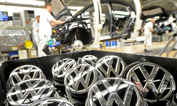 VW will sich neu präsentierten und überarbeitet sein Logo